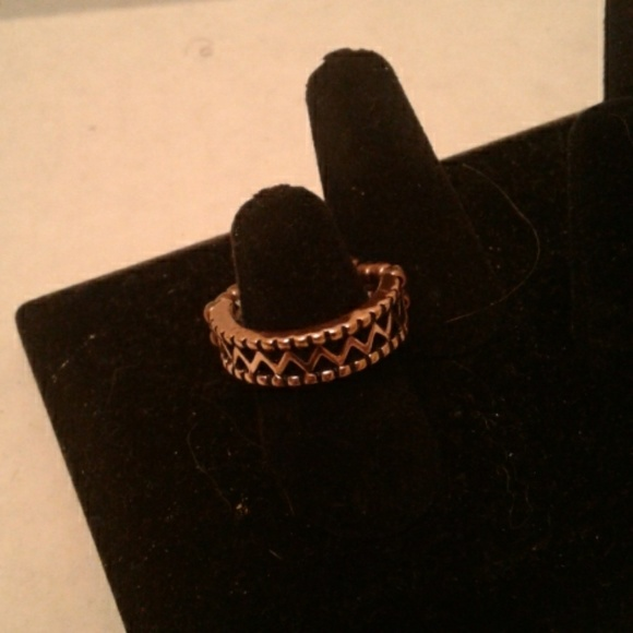paparazzi Jewelry - Paparazzi stretch ring bronze in  color